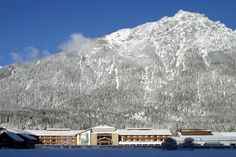 Edelweiss Lodge and Resort, Garmisch-Partenkirchen: See 682 traveler reviews, 490 candid photos, and great deals for Edelweiss Lodge and Resort, ranked #1 of 29 specialty lodging in Garmisch-Partenkirchen and rated 4.5 of 5 at TripAdvisor.