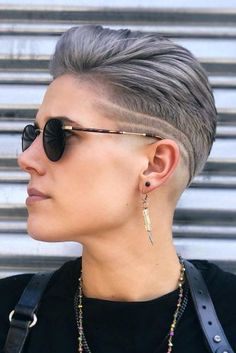 The Best Guide To Womens Fade Haircut Youll Ever Read ★ Super Short Hair, Short Brown Hair, Short Hair Cuts, Tomboy Hairstyles, Undercut Hairstyles, Cool Hairstyles, Office Hairstyles, Anime Hairstyles, Hairstyles Videos
