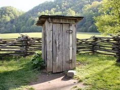 A Quiet Appalachian Retreat for Meditation, Contemplation and Self-Reflection Outhouse Bathroom, Old Cabins, Summer Kitchen, Old Houses, Farm Houses, Great Smoky Mountains, Reading Room, Country Living, National Parks