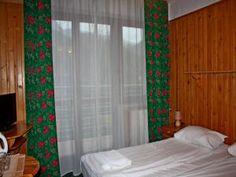 Willa Halka pokoje gościnne w centrum Zakopane góry Tatry wakacje Spa, Curtains, Home Decor, Blinds, Decoration Home, Room Decor, Interior Design, Draping, Home Interiors