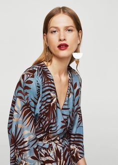 Flowy fabric Printed design Straight design Leaf print Crossed style V-neck Removable belt at the waist Three quarter sleeve Fashion 2020, Look Fashion, Fashion Outfits, Fashion Design, Fashion Fabric, Fashion Prints, Textile Pattern Design, Sewing Lingerie, Just Girl Things