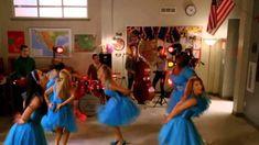 Glee- Tell Him (Performance)
