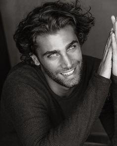 the beautiful gay Most Beautiful Eyes, Beautiful Men Faces, Gorgeous Men, Handsome Faces, Handsome Boys, Blake Steven, Cute White Boys, Italian Men, Smiling Man