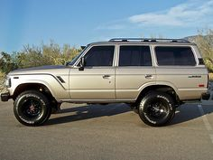 Toyota : Land Cruiser 4Door FJ62. So this is a little outta sync with the norm here (cafe racers and muscle cars) but as a man, it would be almost inhuman if I didn't post this!