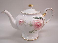 Okura Sueen Fairy Rose teapot