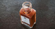 Para fazer um catchup picante: bata uma lata de tomate sem pele no liquidificador, 1 colher (sopa) de açúcar mascavo, 1 colher (sopa) de molho inglês, 1 colher (café) de molho de pimenta, 1 colher (sopa) de vinagre de vinho tinto, 1 colher (café) de canela, sal e pimenta-do-reino a gosto. Deixe no fogo baixo, mexendo de vez em quando, durante cerca de 10 minutos ou até engrossar