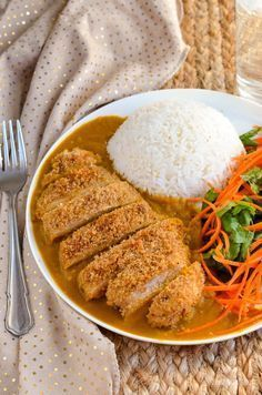 Slimming Eats Low Syn Chicken Katsu Curry - gluten free, dairy free, Slimming World and Weight Watchers friendly - a delicious fakeaway dish Chicken Katsu Recipes, Chicken Katsu Curry, Easy Dinners, Healthy Dinners, Healthy Recipes, Slimming Eats, Slimming World Recipes, Japanese Dishes, Japanese Food