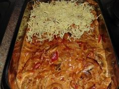 Baked gyros in metaxa sauce – recipe with video - Suppe Sauce Recipes, Chicken Recipes, Cooking Recipes, Healthy Eating Habits, Pampered Chef, Food Design, Recipe Collection, Diy Food, Food Porn