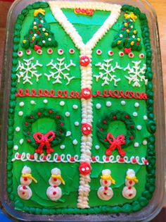 Ugly christmas sweater party ideas The best ugly sweater Christmas party cake!The best ugly sweater Christmas party cake! Christmas Party Food, Christmas Sweets, Christmas In July, Christmas Goodies, Winter Christmas, Holiday Fun, Christmas Ideas, Christmas Cakes, Christmas Party Ideas For Adults