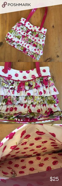 Vera Bradley Bag Excellent condition flowers and ruffles one pocket inside magnetic closure 17 in long 12 in wide 9in deep love this bag Vera Bradley Bags Shoulder Bags