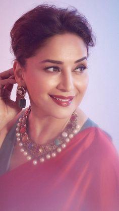 Girls Fashion Clothes, Girl Fashion, Fashion Outfits, Bollywood Saree, Bollywood Fashion, Madhuri Dixit Saree, Indian Beauty Saree, Saree Wedding, Beautiful Women