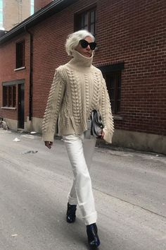 7 Sweater-and–Skinny