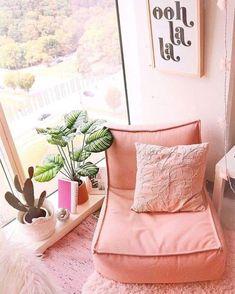 Meditation Raumdekor, Meditation Room Decor, Cozy Bedroom, Bedroom Inspo, Home Decor Bedroom, Bedroom Ideas, Bedroom Inspiration, Cosy Reading Corner, Cosy Corner