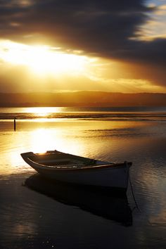 Old wooden boat, Ocean view, clouds, sunbeams, sunrise, sunset, silence, peaceful, beauty of Nature, photo