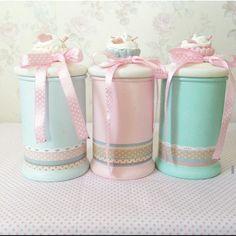 Discover thousands of images about Merrydesign Bottle Painting, Bottle Art, Jar Crafts, Bottle Crafts, Inspiration Artistique, Candy Wedding Favors, Pastel House, Cute Kitchen, Kitchen Items