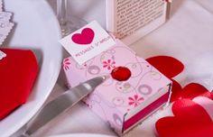 Vous êtes à la recherche d'une idée originale qui saura faire mouche auprès de votre bien-aimé (e) le jour de la Saint-Valentin? Pour ce faire, inutile de dépenser des fortunes! En effet, que pourrait-il faire plus plaisir à votre cher (e) et tendre qu'un cadeau que vous aurez vous-même fabriqué avec vos mains et surtout...