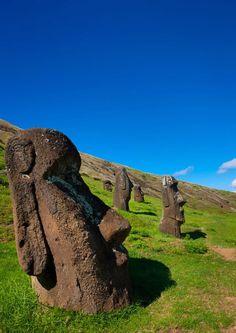 Moai Statues, Easter Island Chile ©