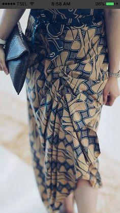 Kebaya Lace, Batik Kebaya, Blouse Batik, Batik Dress, Batik Fashion, Diy Fashion, Model Rok Kebaya, Rok Batik Modern, Kutu Baru Modern
