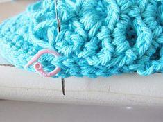 Crochet Sandals Free Pattern - Crochet Dreamz Crochet Sandals Free, Crochet Shoes, Crochet Slippers, Free Crochet, Crochet Top, Crochet Slipper Pattern, Crochet Patterns, Book Crafts, Craft Books