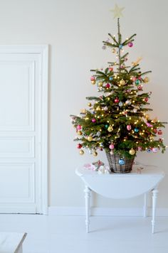 simple holiday, pastels, xmas trees, christma tree, basket, small spaces, christmas trees, ornaments, mini