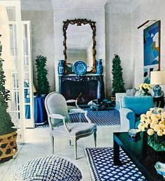 Classic Billy Baldwin from 1971 - Now THIS is timeless!!! #blueandwhiteinteriors. Photo by Horst P. Horst via: AD