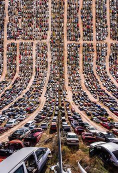 Der türkische Fotograf Aydın Büyüktaş spielt bei seinen Luftaufnahmen mit unserem Verständnis der 3. Dimension.