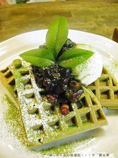 Matcha Waffle - no recipe- but I can do that!