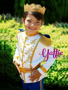 Luxury Prince Charming costume for boy in royal blue and gold Disney Cinderella king inspired outfit Halloween outfits ideas cosplay Wedding fashion ring bearer suit historical fantasy birthday party gift etsy crown Disneyland trip clothing happy smile Prince Costume For Boy, Prince Charming Costume, Boy Costumes, Halloween Costumes For Kids, Halloween 2018, Indian Formal Wear, Crown Wedding Ring, Aladdin Costume, King Costume