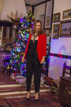 Red and black outfit  http://mammaaltop.com/christmas-eve-outfits-in-red-and-black/