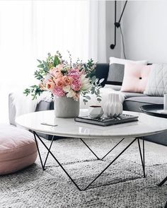 Grey + pink. My favorite combination.