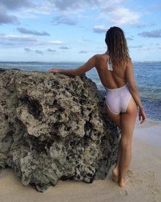 filles sexy en maillot de bain johnny depp instagram