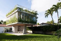The New York-based architecture studio of Christian Wassmann has renovated a 1930s bungalow in Miami Beach, presenting a new structure that engages in a visual dialogue with the sun.