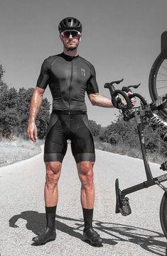 Cycling Lycra, Cycling Suit, Cycling Gear, Cycling Jerseys, Justice League Comics, Lycra Men, Muscular Legs, Radler, Bike Wear