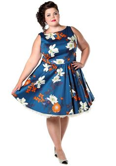 Japanese Floral On Blue Tea Dress by Lady Vintage #circledress #teadress #vintagestyle #fiftiesstyle #50s #floraldress #dressrevolution #mekkovallankumous