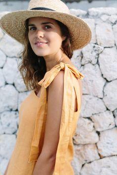 A Pair & A Spare | DIY Shoulder Tie Linen Top (A Quick & Easy Summer Project)