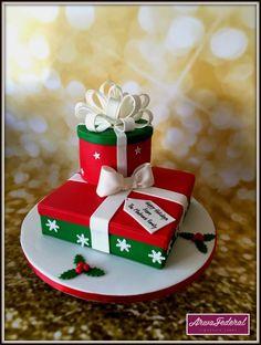 Christmas Presents cake Christmas Cake Designs, Christmas Cake Decorations, Christmas Cupcakes, Holiday Cakes, Christmas Desserts, Christmas Treats, Christmas Present Cake, Christmas Presents, Winter Torte