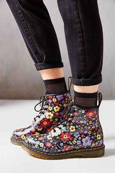 Dr. Martens Vintage Garden 6-Eye Boot - Urban Outfitters