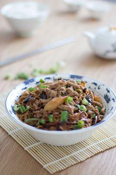 Dan Dan Noodles - Feeding Fen Image 1