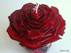 Rose Wedding Candles, Unity Set, Table Decor, Gift – Red & Black Beeswax, Rose Petals – Unique Eco Luxury Candles by Marcie Forest - Modernes Wedding Unity Candles, Unique Candles, Luxury Candles, Beeswax Candles, Scented Candles, Pillar Candles, Candle Art, Rose Candle, Chandelier Bougie