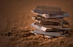 Dark chocolate is good for brain function? As if I needed an excuse to eat chocolate! Here is a list of 12 Superfoods To Boost Your Brainpower! Dark Chocolate Benefits, Best Chocolate, Chocolate Bars, Chocolate Desserts, Chocolate Popcorn, Spanish Chocolate, Chocolate Squares, Chocolate Powder, Cashew Cheesecake