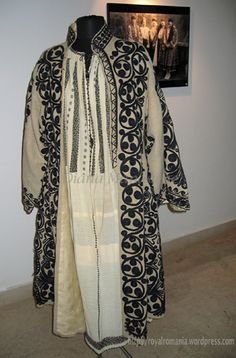Exhibition of traditional Greek and Romanian costumes of Helen ...