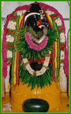 BETEL LEAF,VETRILAI MAALAI ALANKARAM INDIRANGAR HANUMAN, ராம பக்த ஆஞ்சநேயர் வெற்றிலை மாலை அலங்காரம்   ANJU APPU Hanuman Tattoo, King Ravana, Bhakti Song, Jai Hanuman, Crochet Bows, Ganesha Art, Goddess Lakshmi, God Pictures, Leaf Flowers
