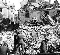 History of the bombing that took place in the Portsmouth Blitz years of the Second World War Old Pictures, Old Photos, Portsmouth Dockyard, Wartime Recipes, Hampshire Uk, Hms Victory, The Blitz, Battle Of Britain, Isle Of Wight