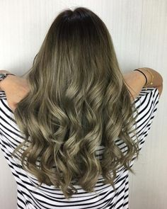 Long Shaggy Bob - Brown Ombre Hair Solutions for Any Taste - The Trending Hairstyle Ash Green Hair Color, Hair Color Cream, Ombre Hair Color, Hair Color Balayage, Hair Highlights, Caramel Highlights, Green Ash, Dyed Blonde Hair, Brown Blonde Hair