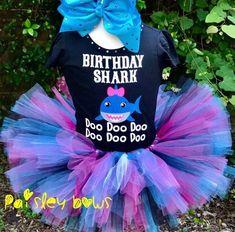 decoracion baby shark party niña,cumpleaños baby shark, ideas para una fiesta de baby shark, pastel de baby shark, piñata de baby shark, dulceros de baby shark, centros de mesa de baby shark, adornos de baby shark para fiesta, fiesta infantil de baby shark, decoracion de baby shark para fiesta, baby shark party, invitaciones baby shark, baby shark cake, baby shark children party #fiestababyshark #piñatababyshark #cumpleañosbabyshark