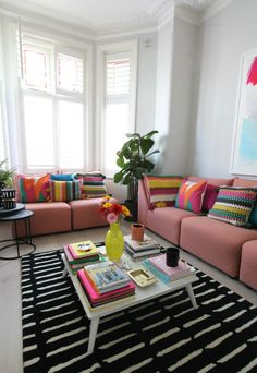 littleBIGBELL Bold living room interior ideas with Arcade from A by Amara for all seasons Color Palette Living Room, Living Room Interior, Bold Living Room, Living Room Color, Eclectic Interior, Funky Living, Room, Apartment Decor, Apartment Interior