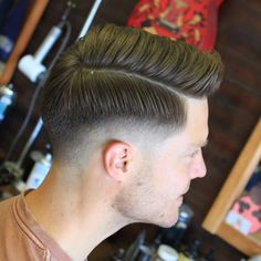 Mens Hairstyles With Beard, Dread Hairstyles, Hair And Beard Styles, Hairstyles Haircuts, Curly Hair Styles, Comb Over Haircut, Low Fade Haircut, Medium Hair Cuts, Medium Hair Styles