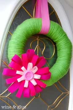 Spring Wreath | www.wineandglue.com