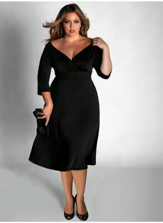 How to Choose Perfect Plus Size Cocktail Dresses. Read more: http://whatwomenloves.blogspot.com/2015/01/how-to-choose-perfect-plus-size.html