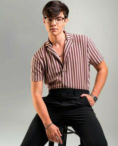 Button Down Shirt, Men Casual, Boys, Mens Tops, Shirts, Iphone, Fashion, Fashion Clothes, Korean Actors